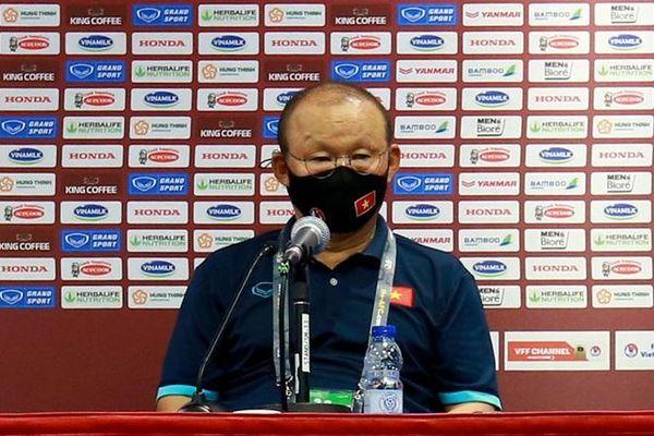Thầy Park: Việt Nam dồn sức thắng Malaysia, chưa nghĩ tới UAE