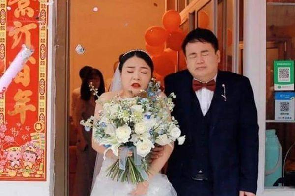 Bộ ảnh cưới khiến cô dâu chú rể 'khóc ngất'