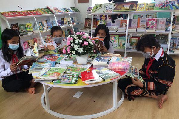 Trường Tiểu học Anh hùng Núp khánh thành thư viện 'Vì đàn em thân yêu'