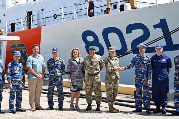 Bộ Tư lệnh Ấn Độ Dương - Thái Bình Dương của Mỹ chào đón tàu CSB 8021