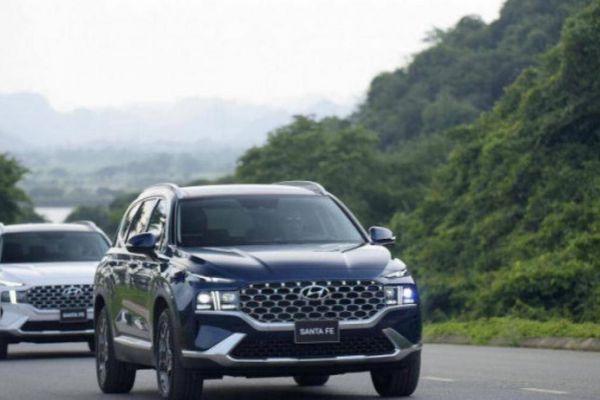 Ra phiên bản mới, Hyundai SantaFe vượt mặt hàng loạt 'ông kẹ' phân khúc SUV