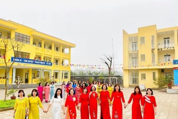 Trường Tiểu học Hương Sơn đổi mới mạnh mẽ sự nghiệp 'trồng người'