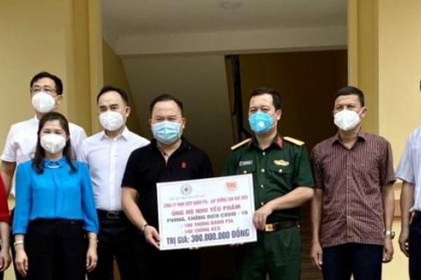Tân Huê Viên ủng hộ Bắc Giang nhu yếu phẩm giá trị 300 triệu đồng