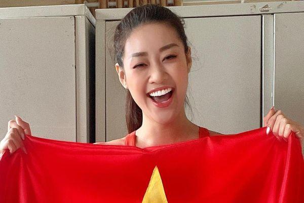 Khánh Vân, Thúy Ngân phấn khích khi Việt Nam thắng Malaysia