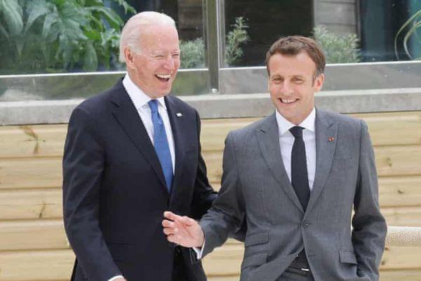 Khoảnh khắc hai ông Biden và Macron làm thủ tướng Anh bối rối