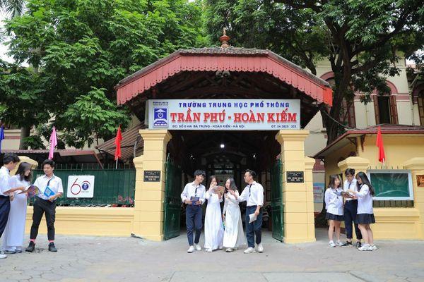 Quận Hoàn Kiếm: Hơn 2.000 thí sinh tham dự kỳ thi lớp 10 an toàn, nghiêm túc