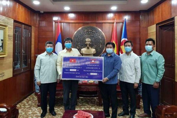 Lào ủng hộ Quỹ vaccine phòng, chống Covid-19