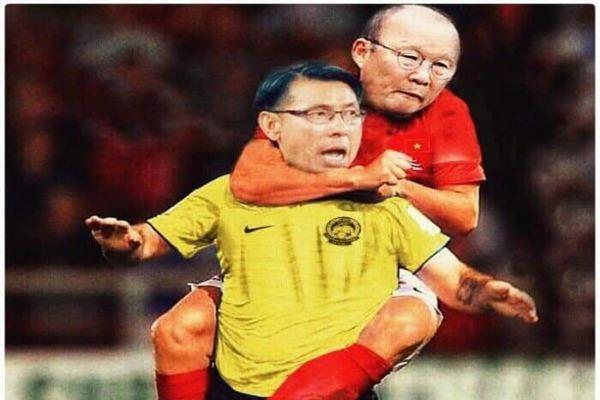 Đội tuyển Việt Nam thắng Malaysia, biểu cảm thầy Park bị chế ảnh