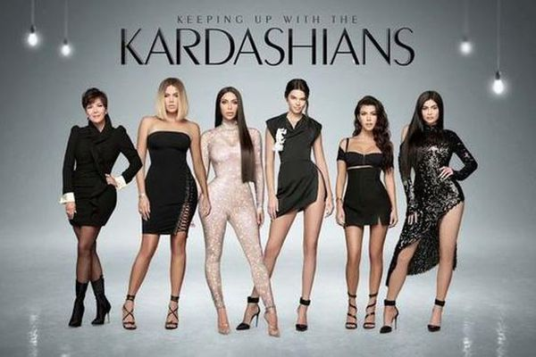 Chương trình truyền hình thực tế của Kim Kardashian kết thúc sau 14 năm