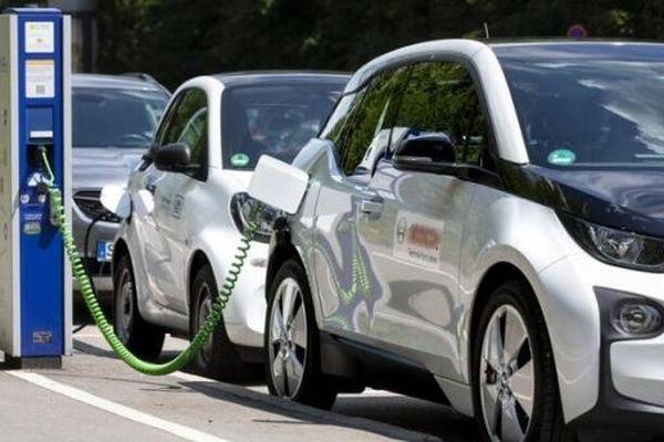 Mỹ: Những cổ phiếu EV nào có thể 'bùng nổ' trong mùa hè này?