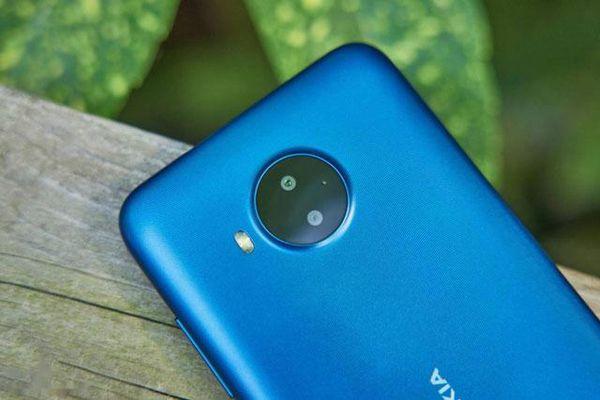 Cận cảnh Nokia C20 Plus: RAM 3 GB, pin 'khủng', giá rẻ bất ngờ