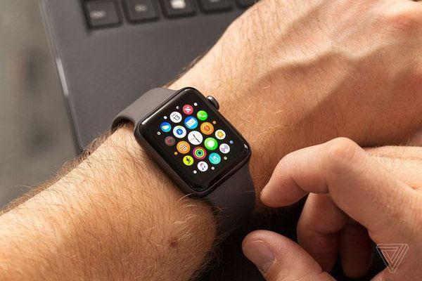 Người dùng không nên mua Apple Watch Series 3 ở thời điểm này