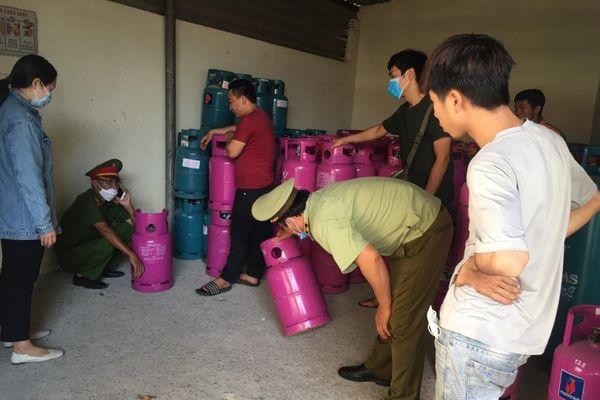 QLTT Thừa Thiên Huế tạm giữ số lượng lớn chai LPG các loại có dấu hiệu xâm phạm quyền sở hữu trí tuệ
