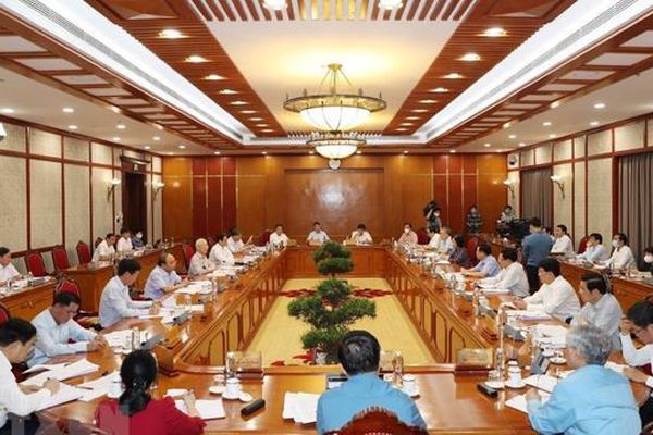 Bộ Chính trị chỉ đạo nghiên cứu thí điểm hộ chiếu vaccine với khách quốc tế đến Phú Quốc