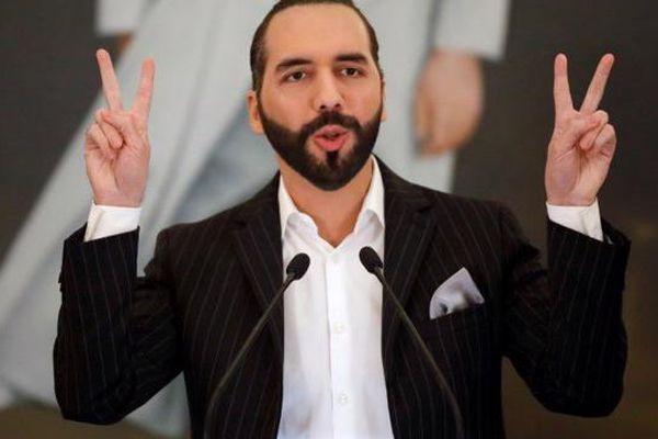 Phong cách 'độc lạ' của Tổng thống El Salvador, người đưa Bitcoin thành phương tiện thanh toán chính thức