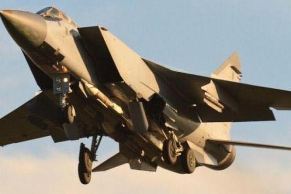 Nga trang bị tên lửa cận chiến mới R-74M cho máy bay MiG-31BM