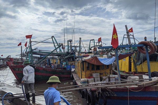 Hải Phòng, Quảng Ninh cấm biển để ứng phó bão số 2