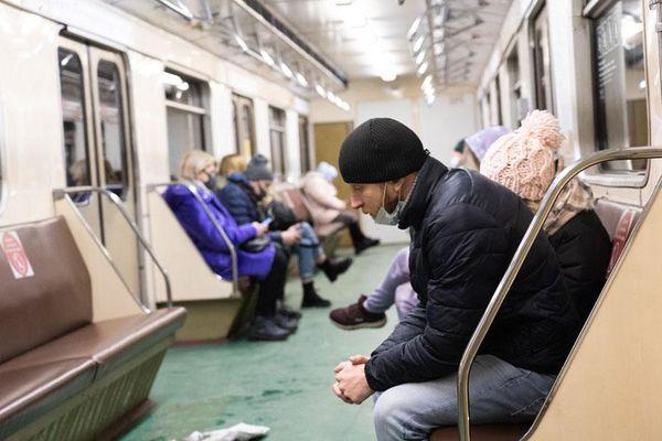 Dịch căng thẳng, Moscow áp dụng các hạn chế mới