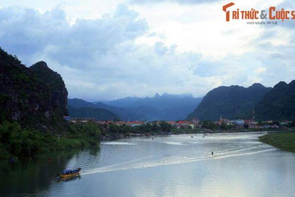 Giai thoại ly kỳ về dòng sông 'đỏ máu' của đất Quảng Bình