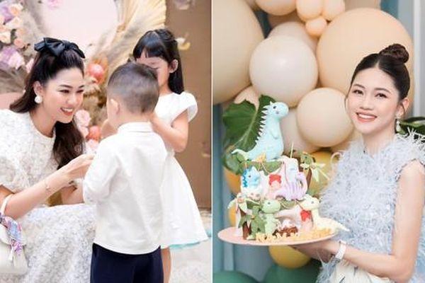Á hậu Thanh Tú và ông xã đại gia tổ chức tiệc sinh nhật tại gia cho con trai