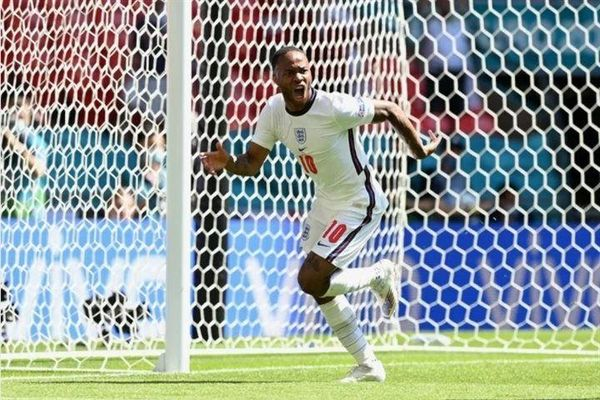 Sterling ghi bàn, ĐT Anh giành 3 điểm trước ĐT Croatia