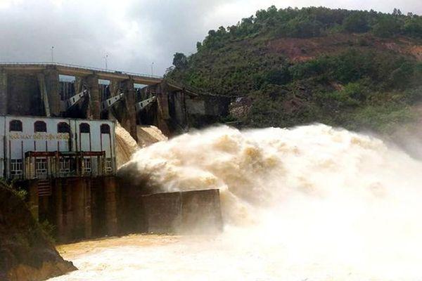 Nghệ An: Nhiều nhà máy thủy điện thông báo xả lũ sau bão số 2