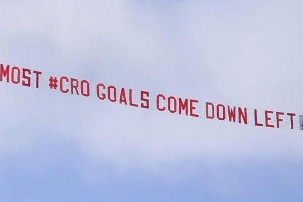 EURO 2020: Fan cuồng tuyển Anh có hành động cực dị