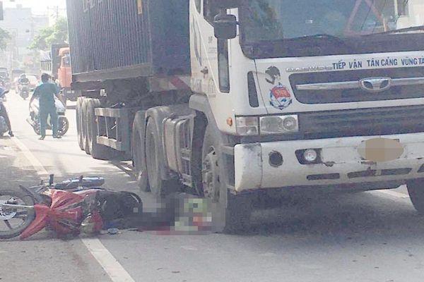 Người đàn ông bị xe container cán tử vong ở TP Thủ Đức