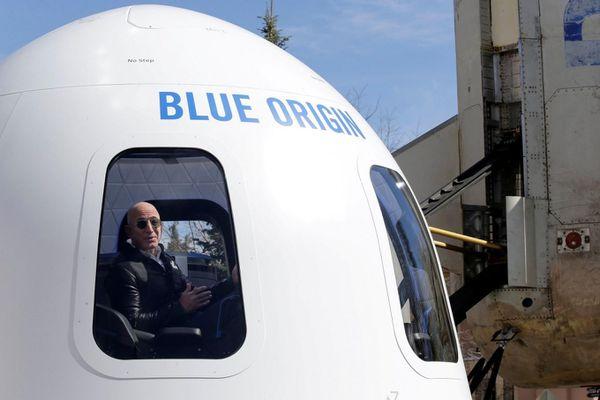 Jeff Bezos quyết trở thành tỷ phú đầu tiên bay vào vũ trụ