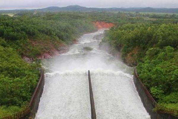 Lắp đặt hệ thống quan trắc, dự báo lũ hồ Kẻ Gỗ và Bộc Nguyên