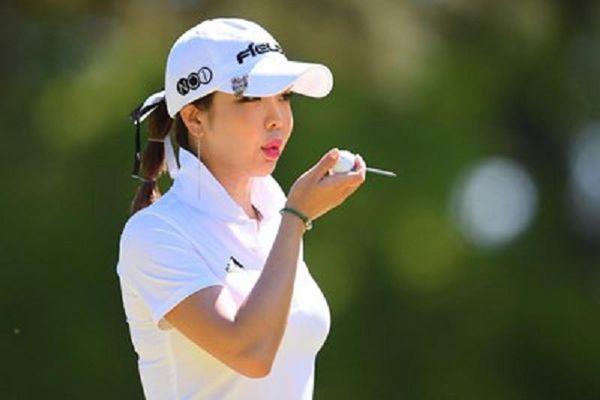 'Thánh nữ golf' khiến cư dân mạng Nhật Bản săn lùng ráo riết