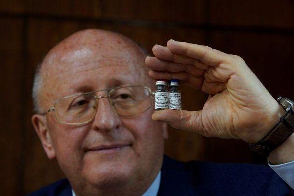 Nga thử nghiệm vắc xin COVID-19 dạng xịt mũi cho trẻ em