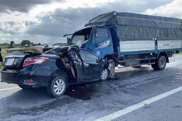 Xác định nguyên nhân vụ hai ô tô đối đầu khiến 3 người tử vong ở Hưng Yên