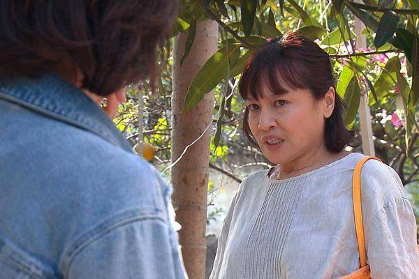 Nghệ sĩ Tú Oanh: Khán giả ghét nhân vật nhưng lôi diễn viên ra chửi