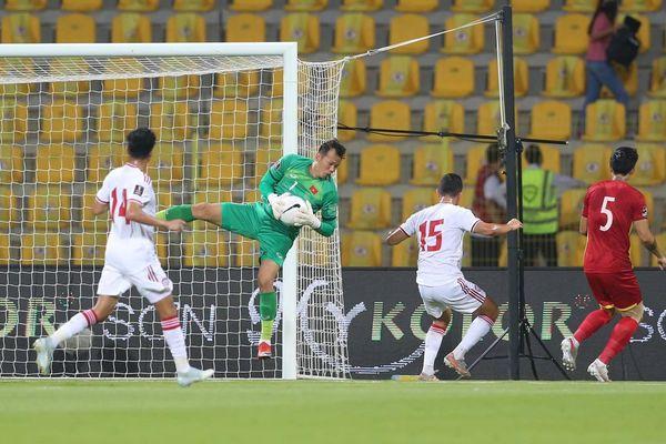 Trực tiếp Việt Nam 0-0 UAE: Quang Hải thay Công Phượng (H1)