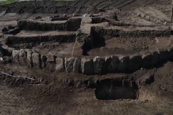 Phát hiện bãi đá 'anh em' ở Ukraina của Stonehenge
