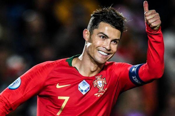 Ronaldo đi vào lịch sử Euro