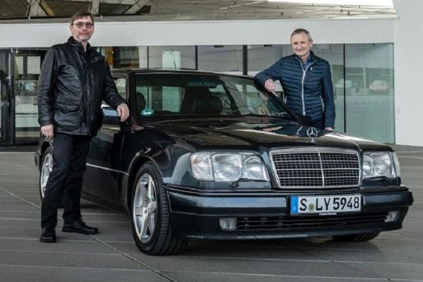 500 E - 'đứa con lai' của Porsche và Mercedes-Benz đã 30 năm tuổi