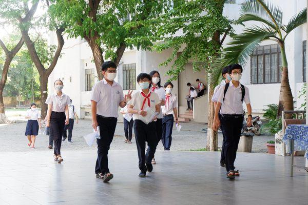 Đà Nẵng: Vaccine phòng Covid vào đề Anh văn thi vào lớp 10