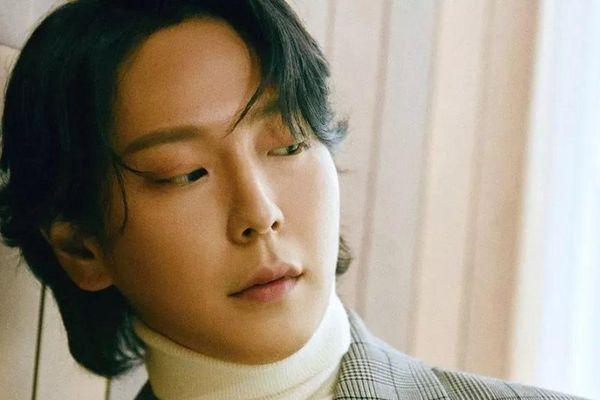 Chấn động showbiz Hàn: Nam thần tượng Himchan tự sát