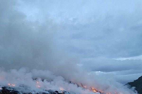 Hé lộ nguyên nhân khiến bãi rác lớn nhất Đà Nẵng cháy dữ dội