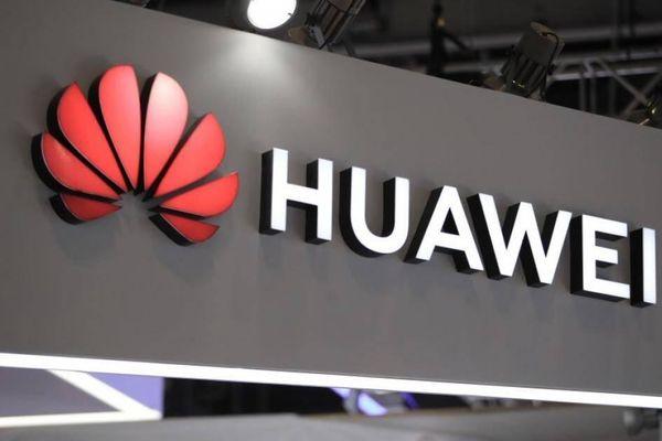 Tổng thống Romania bất ngờ ký luật cấm Huawei tham gia vào mạng 5G
