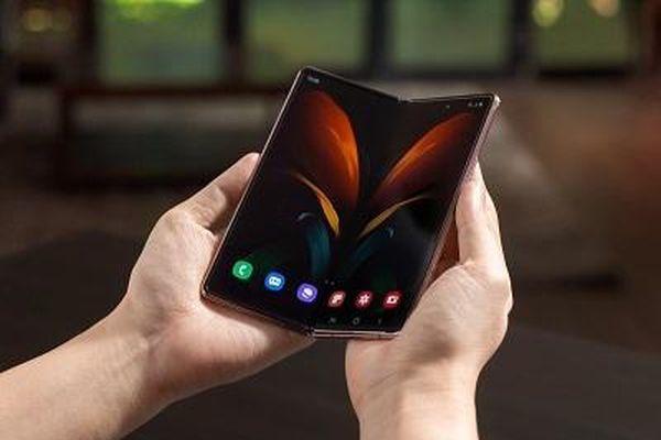 Samsung sắp ra smartphone đầu tiên có camera dưới màn hình