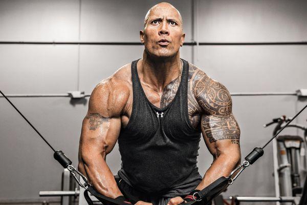 The Rock đã làm gì để có thân hình vạm vỡ?