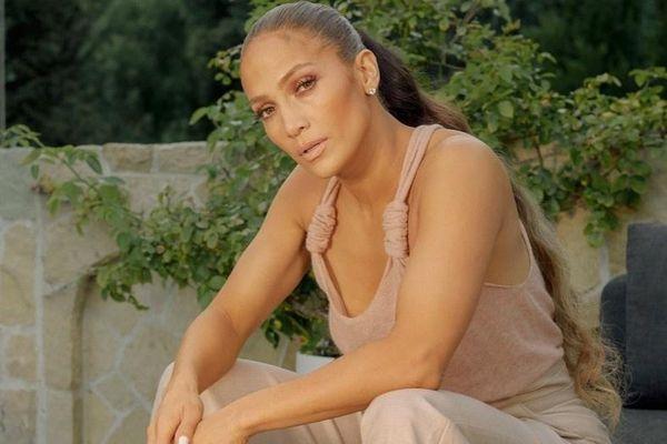 Nhà của Jennifer Lopez thường xuyên bị kẻ lạ làm phiền