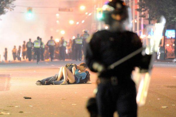 Gặp hai người trong bức ảnh nụ hôn Vancouver sau 10 năm