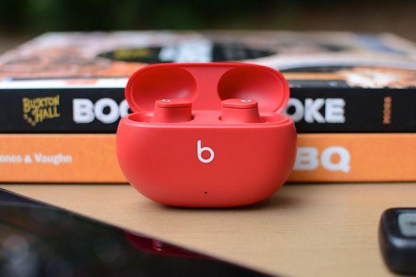 Apple ra mắt tai nghe Beats Studio Buds: siêu nhẹ, chống ồn chủ động, giá chỉ 150 USD