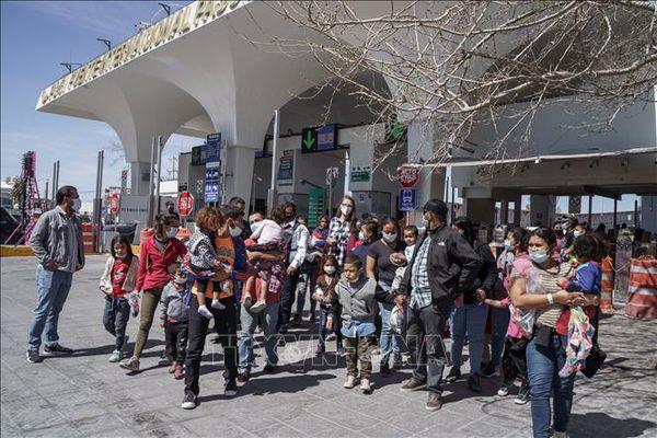 Mỹ chưa mở cửa biên giới với Mexico