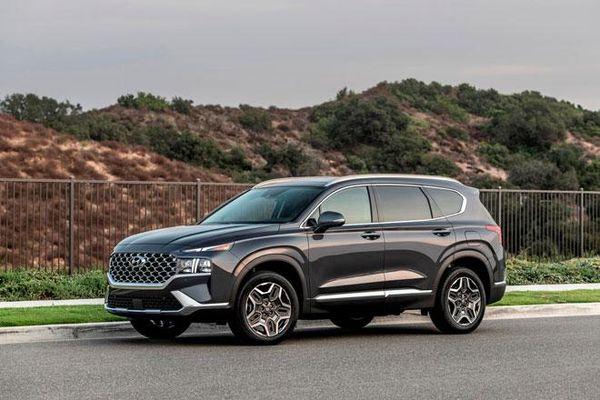Top 10 xe SUV cỡ trung tốt nhất năm 2021: Vinh danh Hyundai Santa Fe