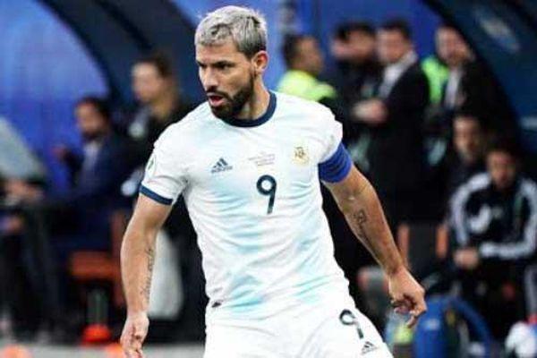 Argentina cần bản năng săn bàn của Aguero